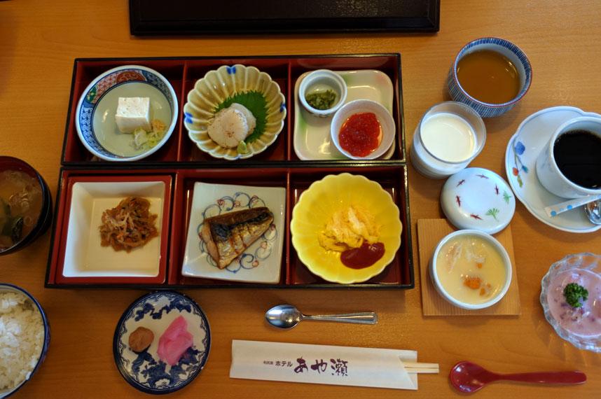 hotel-ayase_2d_breakfast