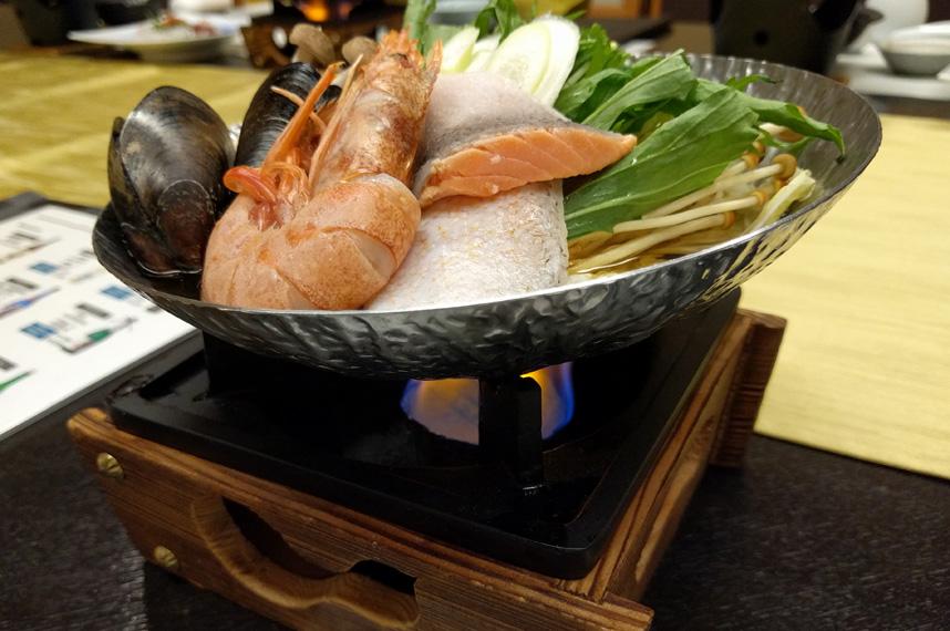 morino-uta_seafood_hotpot