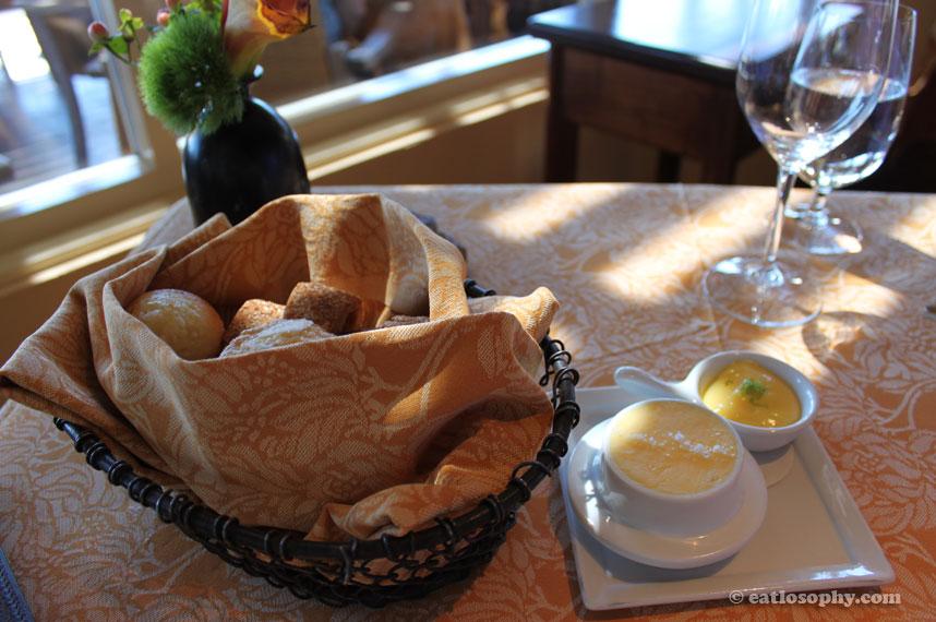 auberge-du-soleil_bread